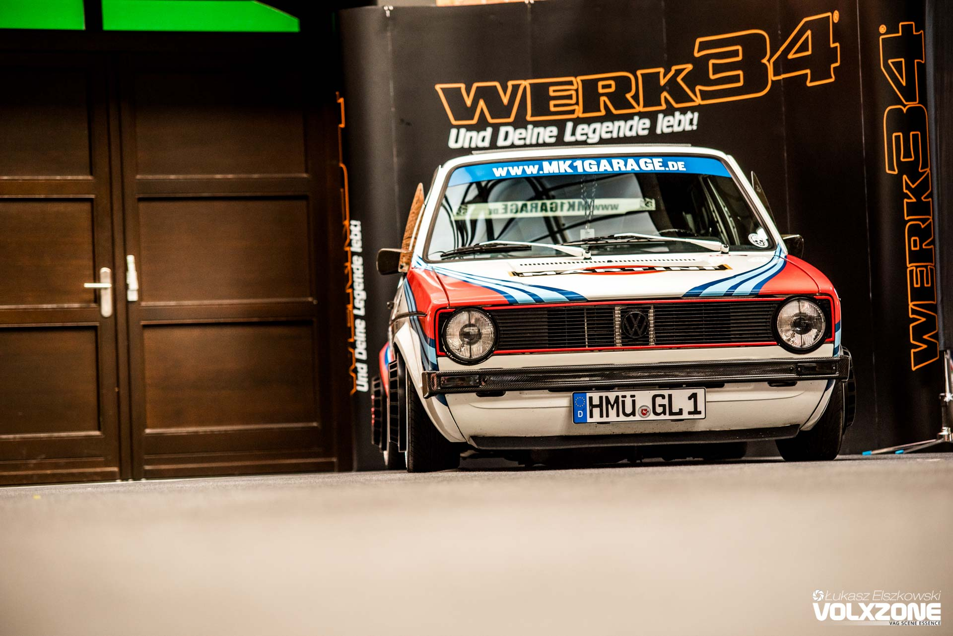 Vw golf mk1 garage werk34 martini volxzone for Garage volkswagen condom
