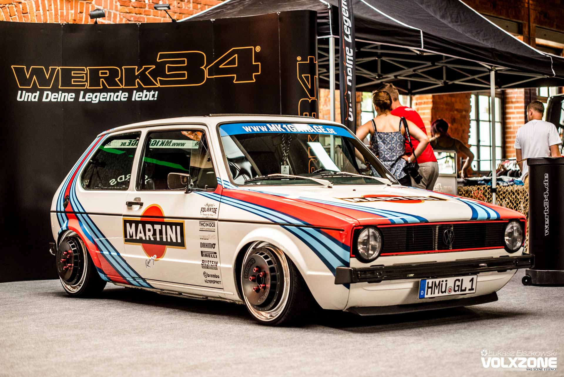 Vw golf mk1 garage werk34 martini volxzone for Garage volkswagen paris 15